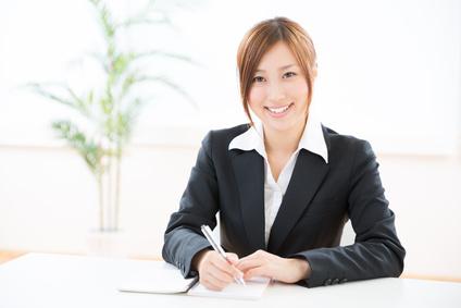 メモをする女性 ビジネス